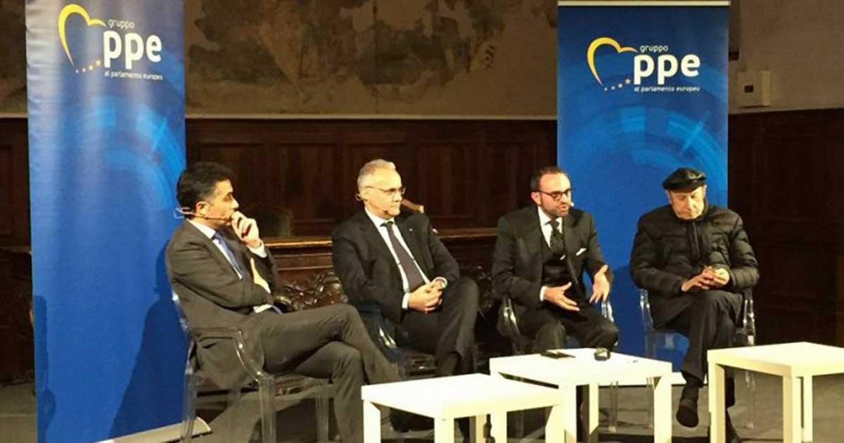 massimiliano-salini-19-maggio-2016-incontro-l-identita-tradita-galleria-2